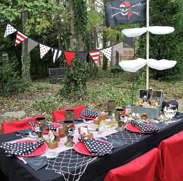 table decoration for a kids birthday party deco in garden