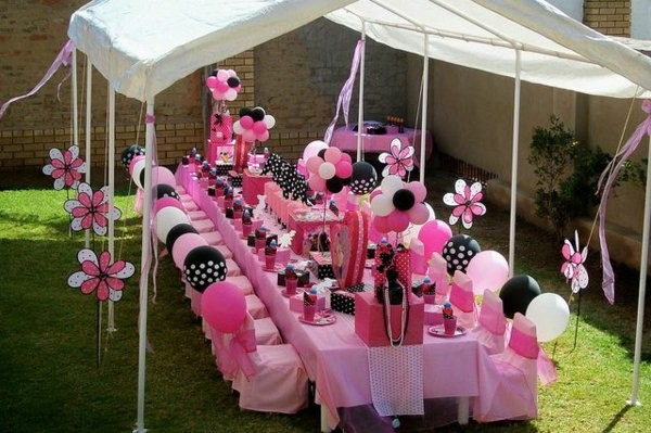 table decoration for a kids birthday party deco pink ballons
