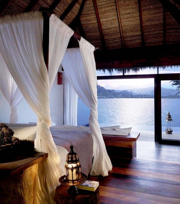 18-bedroom-interior-design-with-ocean-sea-view-panoramic-windows-canopy-bed