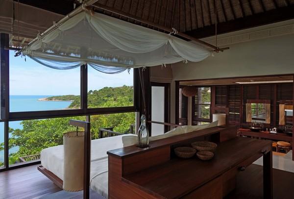 3-bedroom-interior-design-with-ocean-sea-view-panoramic-windows-bed