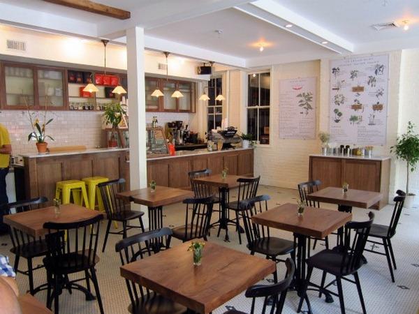 best-ice-cream-nyc-van-leeuwen-interior