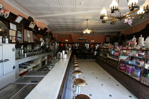 chocolate shop interior design (4)