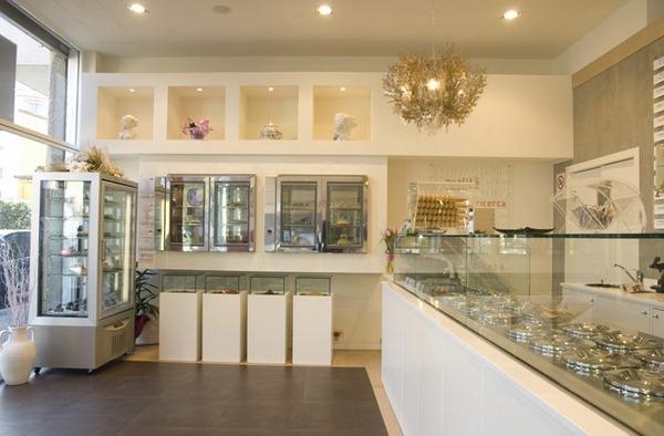 icecream-parlor-interior-design-and-furniture-italian-style-001
