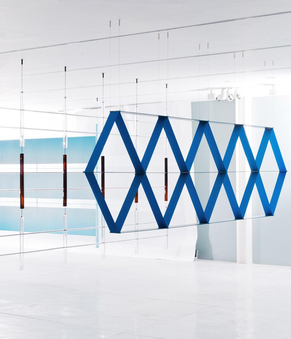 bouroullec brothers design decorative screens for tel aviv exhibition decor10 blog. Black Bedroom Furniture Sets. Home Design Ideas