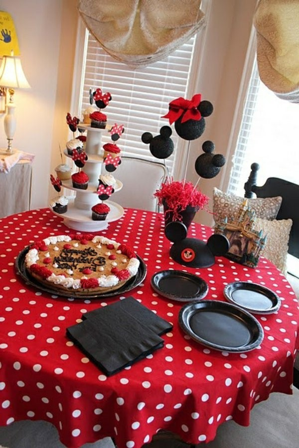 birthday party with beautiful tischdeko party deco motifs mickey mouse