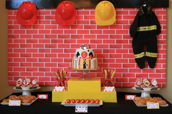 table decoration for a kids birthday party deco fire man theme
