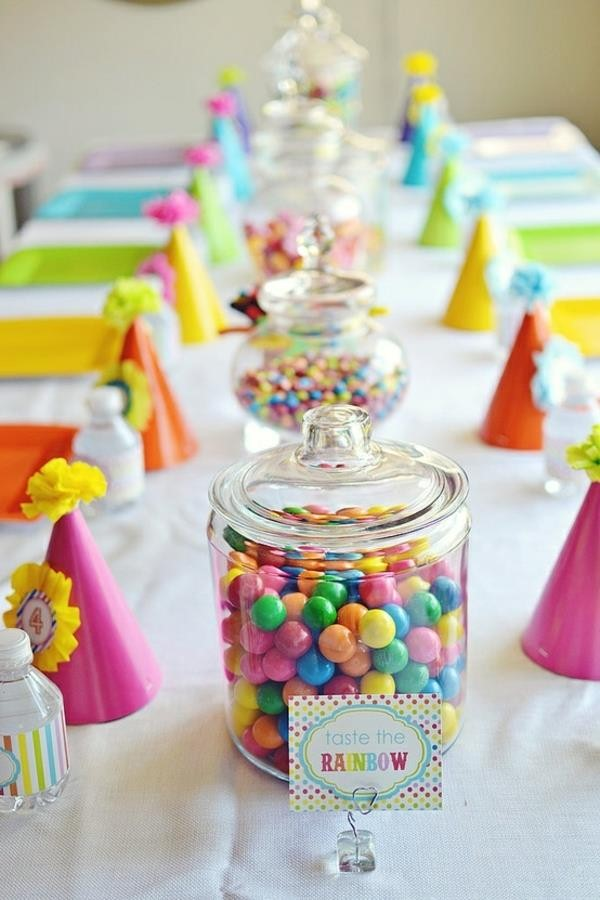 table decoration for a kids birthday party decoration