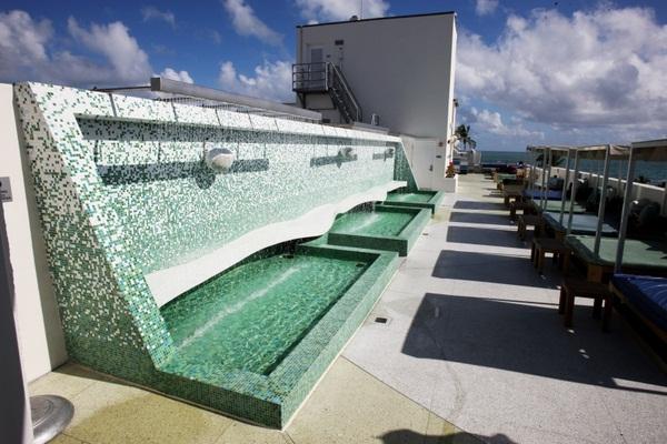 Make mosaic tiles Green Pool Retaining Wall garden