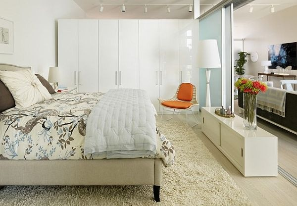 white-modern-bedroom-in-los-angeles-small-apartment