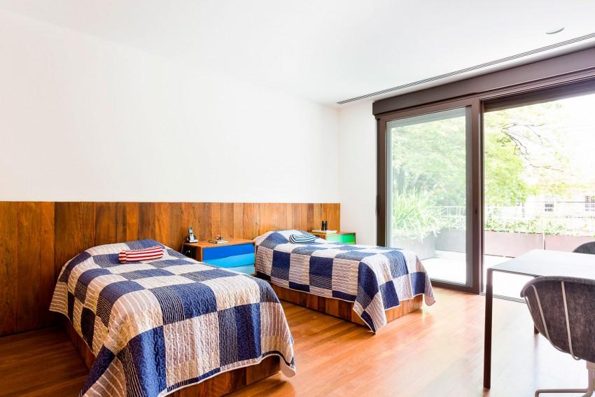 AA House by Pascali Semerdjian Architects (18)