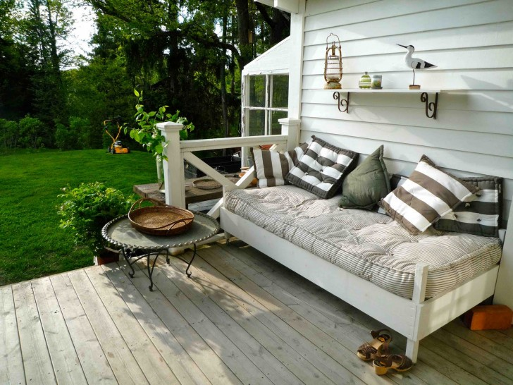 Cottage porch bed