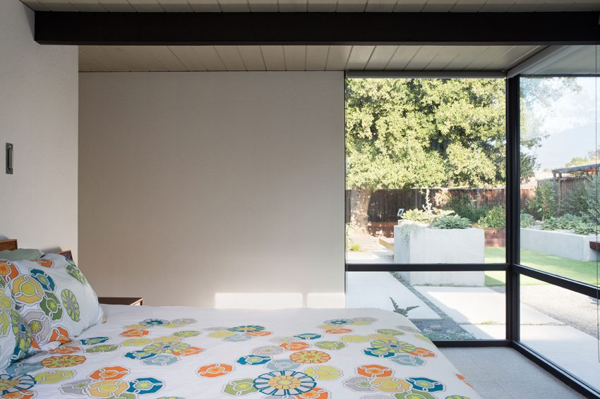 Renewed Classic Eichler by Klopf Architecture (17)