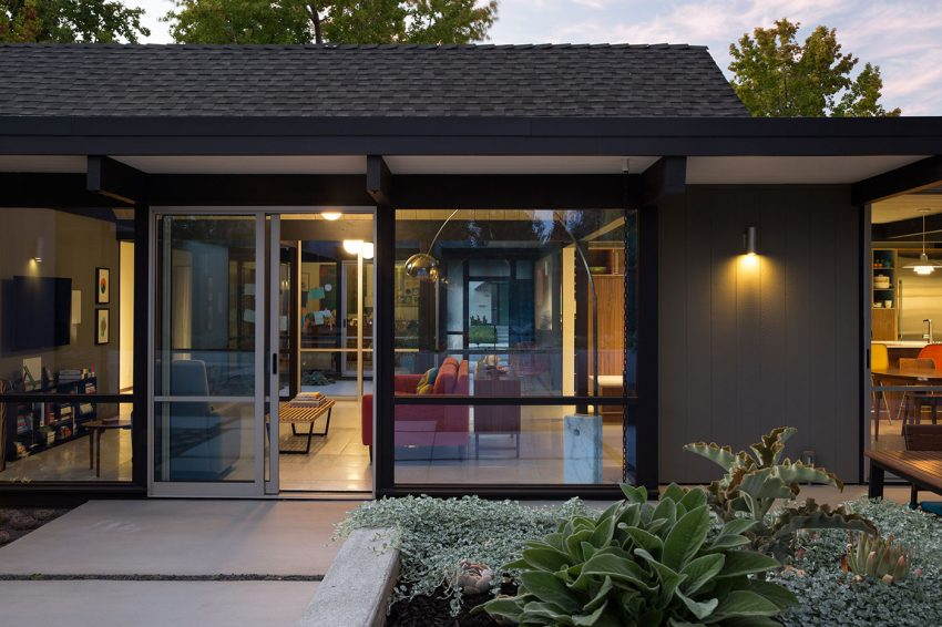 Renewed Classic Eichler by Klopf Architecture (23)