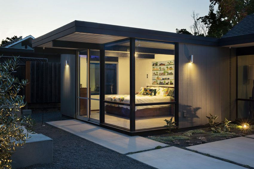 Renewed Classic Eichler by Klopf Architecture (26)