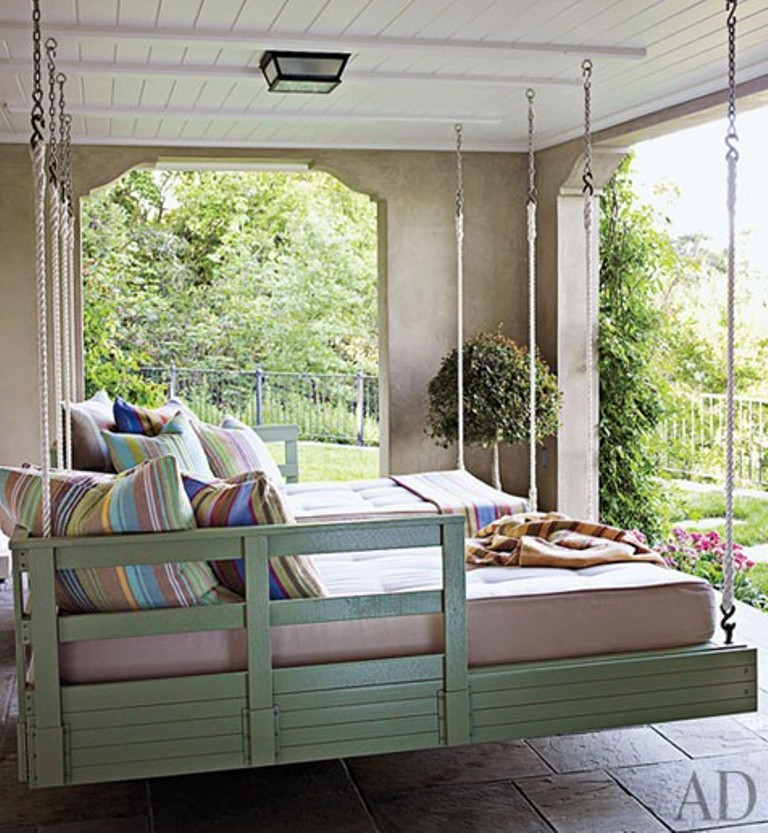 Twins hanging beds