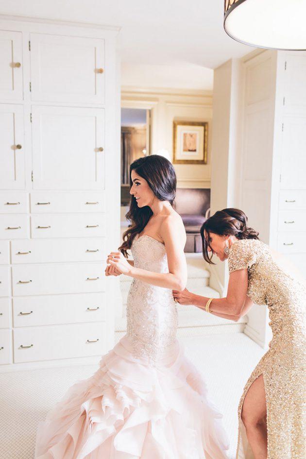 new-york-traditional-elegant-twist-floral-wedding-inspiration-blush-gown06