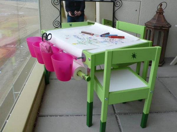 Small table for artists
