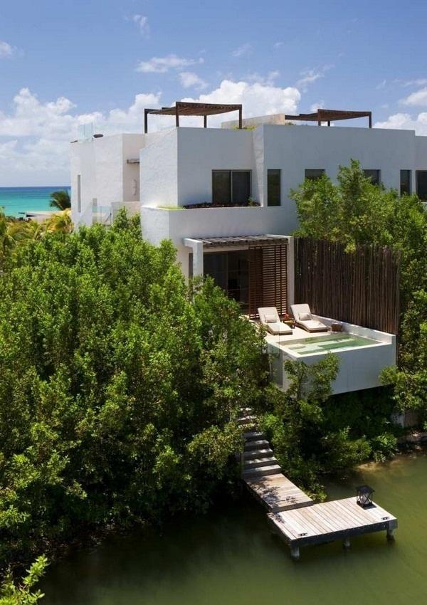 Jacuzzi garden tub hardwood floors white lawn palm plants
