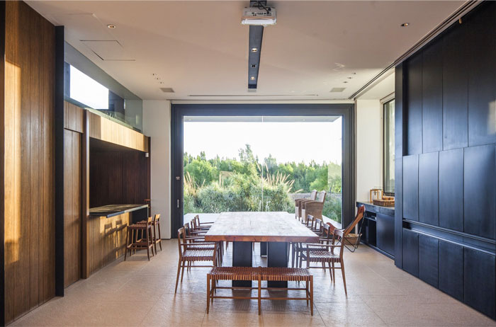 modern-home-situated-patagonia-argentina-14