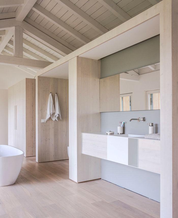 renewed-barn-house-italy-2