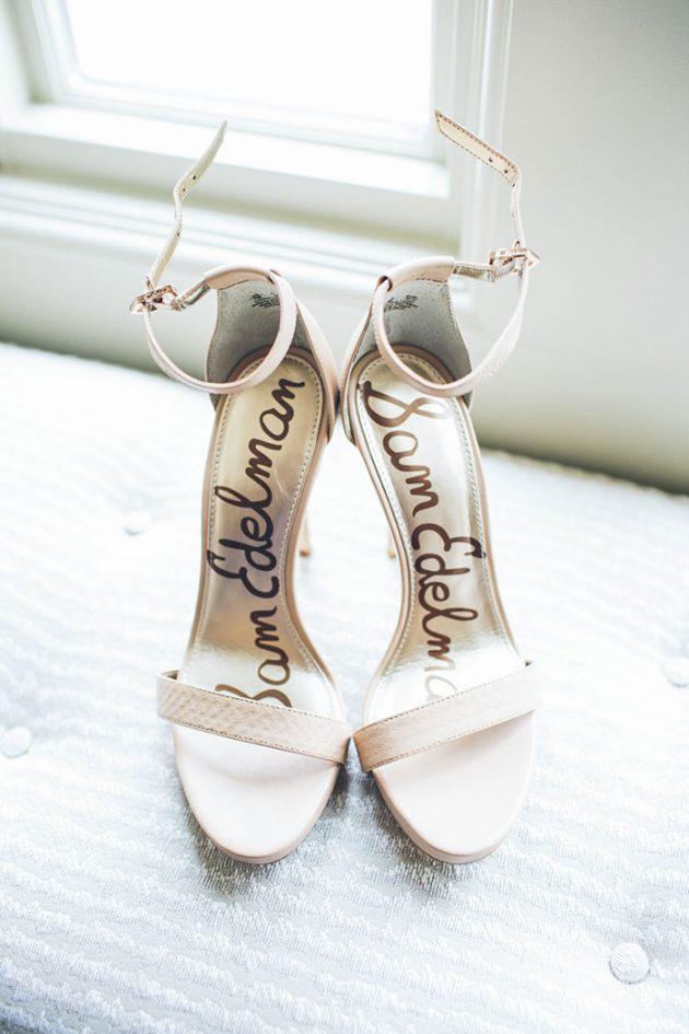 new-york-traditional-elegant-twist-floral-wedding-inspiration-blush-gown01