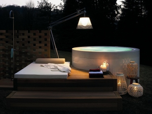 Whirlpool garden mini pool round white wooden floor deco day