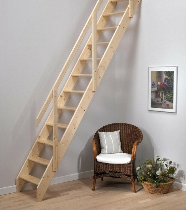 Space-saving wooden stairs