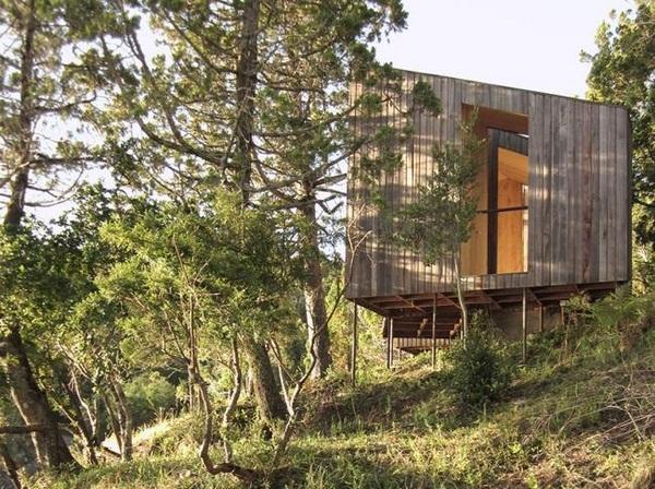 Hang laminated wood sauna design