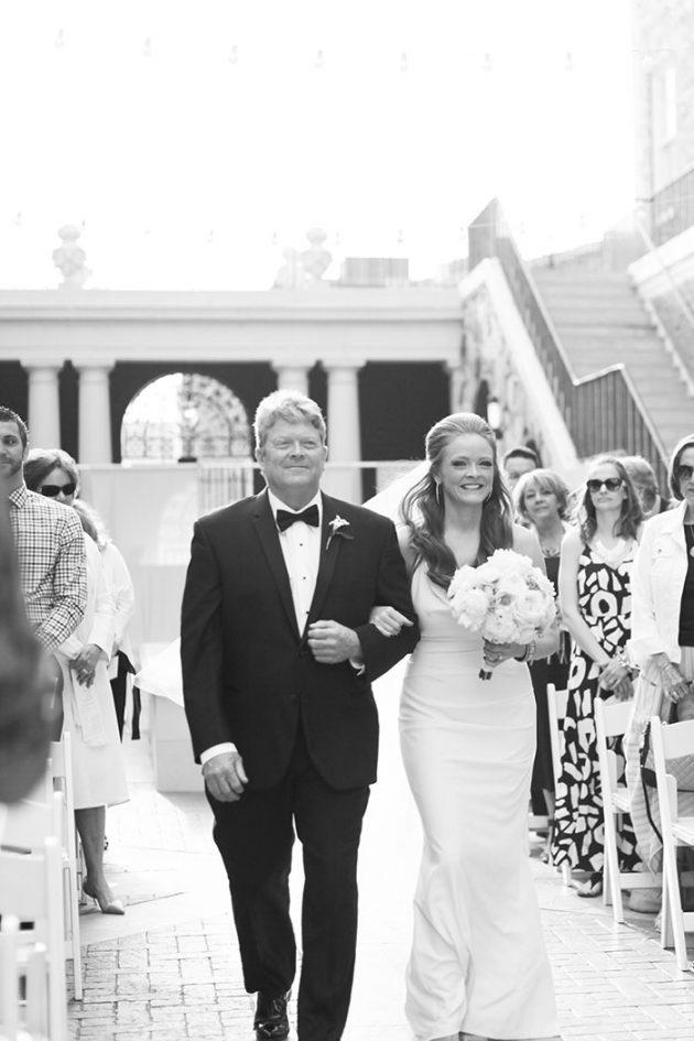magnolia-hotel-modern-kelly-wearstler-inspired-wedding-inspiration22