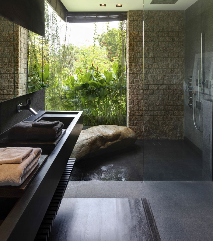 3-bathroom-opens-garden