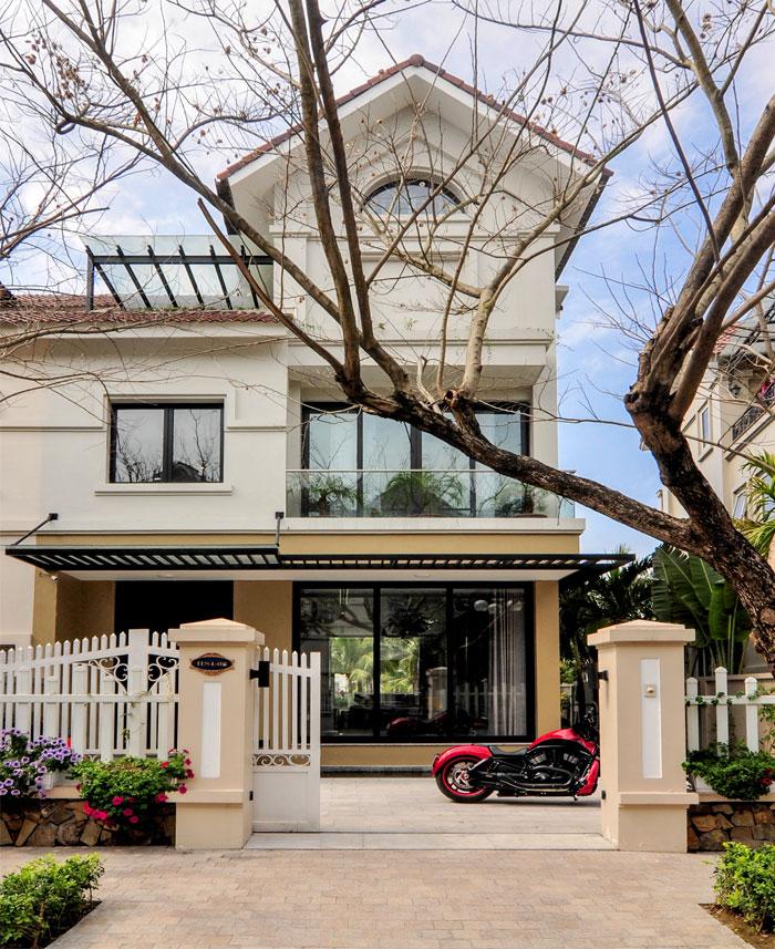 t-house-located-hanoi-17