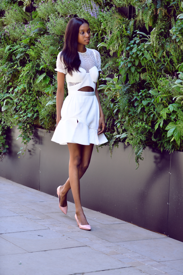 What To Wear To A Wedding 16 Wedding Guest Outfit Ideas for Every Type of Ceremony (Part 1)