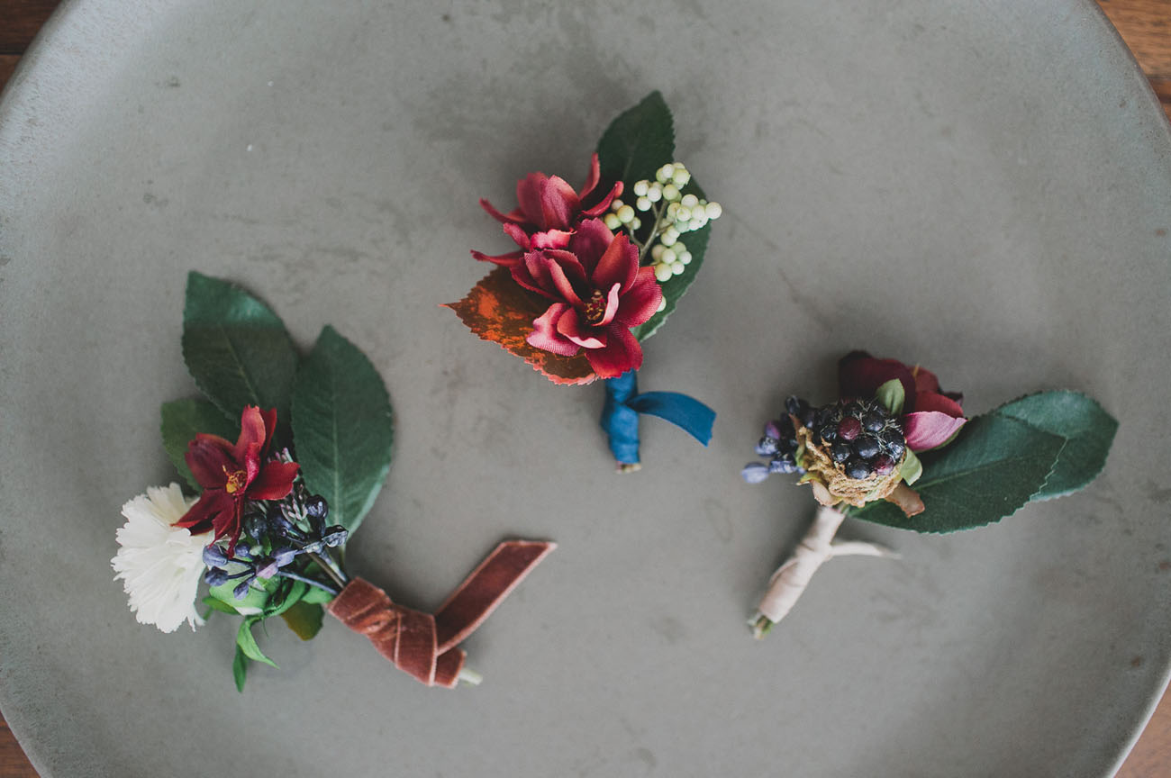 DIY: Silk Flower Boutonnieres - Decor10 Blog