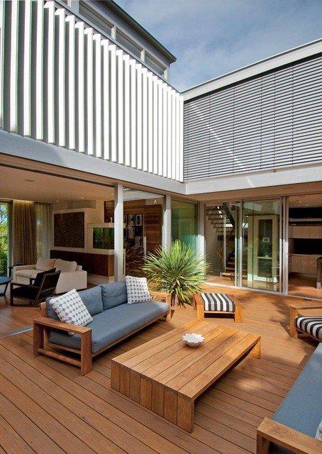 21 Beautiful Indoor- Outdoor Living Spaces - Decor10 Blog on Enclosed Outdoor Living Spaces id=65610