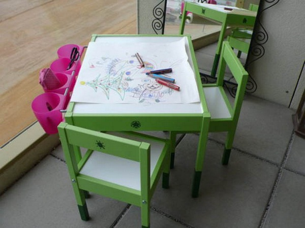 Artist table children's furniture