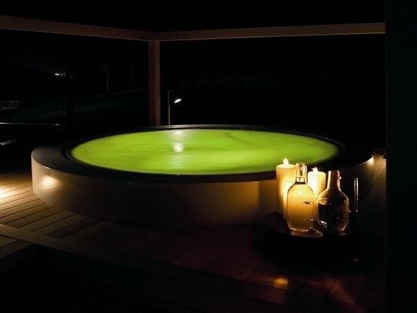 Whirlpool garden minipool zucchetti glass railing promising luxury holidays