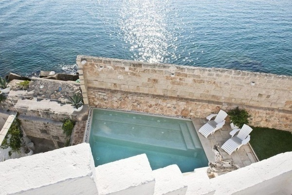 Whirlpool garden holidays around paneled promising luxury