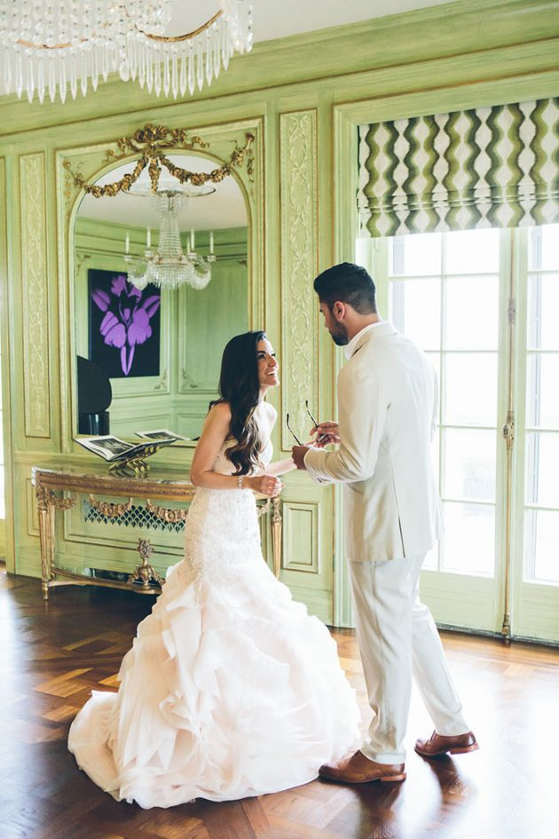new-york-traditional-elegant-twist-floral-wedding-inspiration-blush-gown09