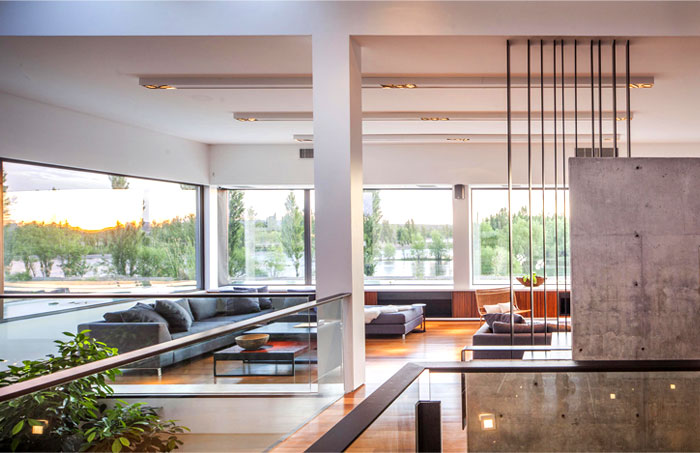 modern-home-situated-patagonia-argentina-22