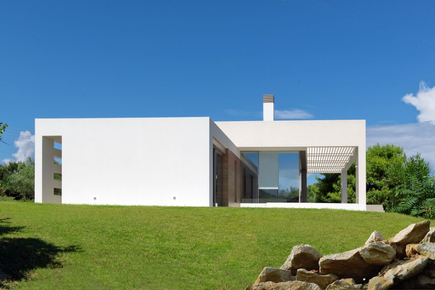 House in Zakynthos by Katerina Valsamaki Architects (3)
