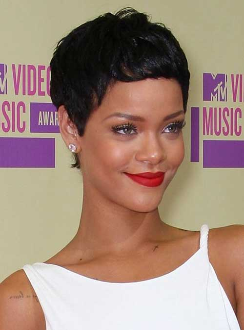 Rihanna Pixie Cuts-8