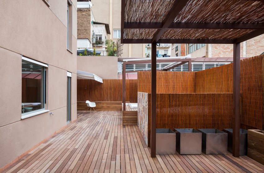 Duplex in Gracia by Zest Architecture (1)