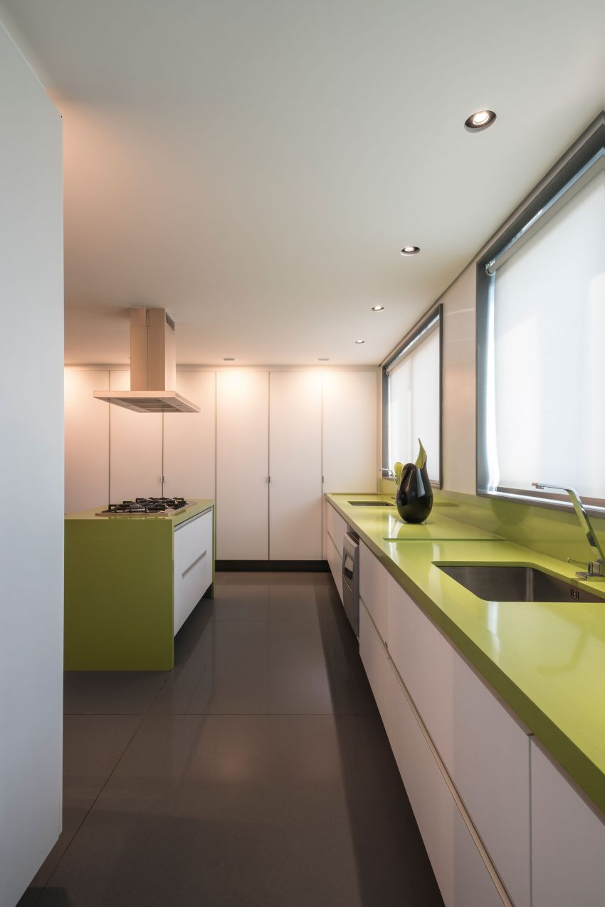 A Colorful Apartment in Belo Horizonte by 2arquitetos (13)