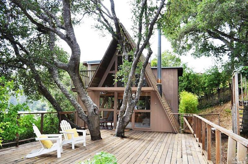 30 Amazing Tiny A-frame Houses