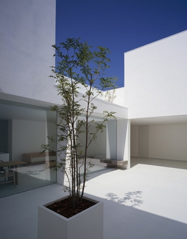 Courtyard modern minimalist Japanese architect house kanazawa