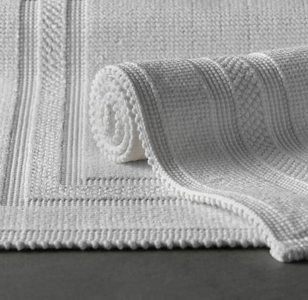 cotton bathmat model in white