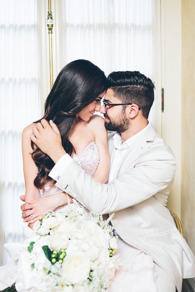 new-york-traditional-elegant-twist-floral-wedding-inspiration-blush-gown18