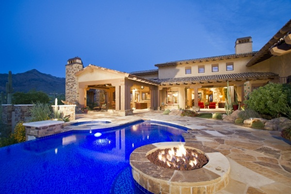 luxury villas with pool and fireplace