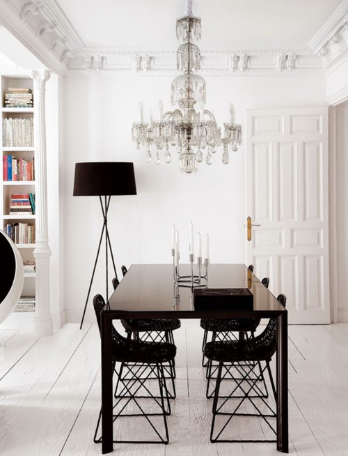 refined ceiling molding