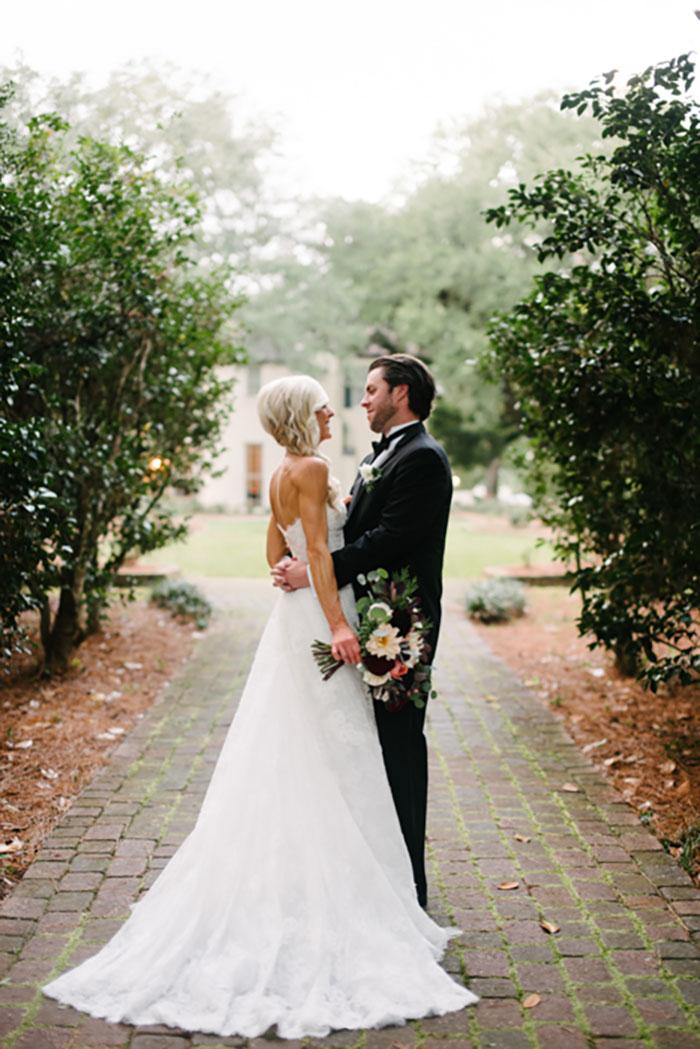 louisiana-garden-tent-wedding-rain-inspiration22